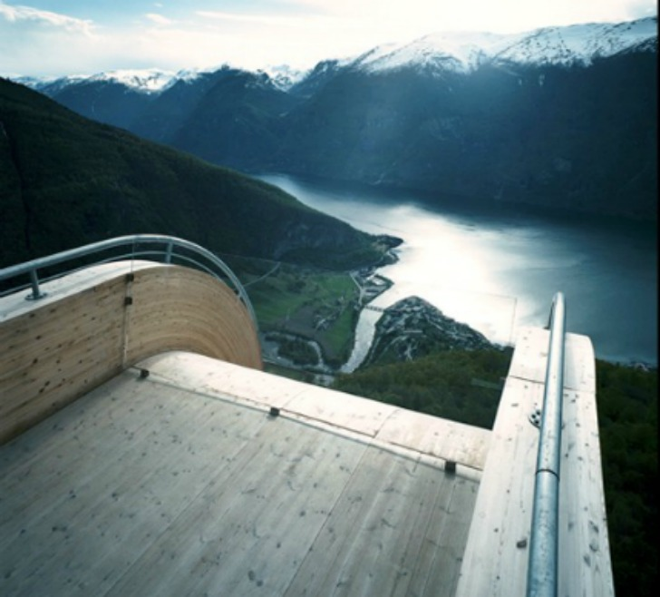 todd-saunders-aurland-lookout2