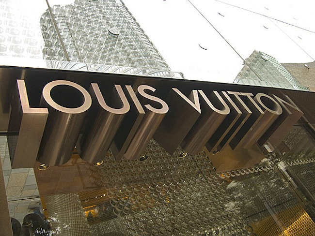 Luxury Condos in Yorkville: Shopping