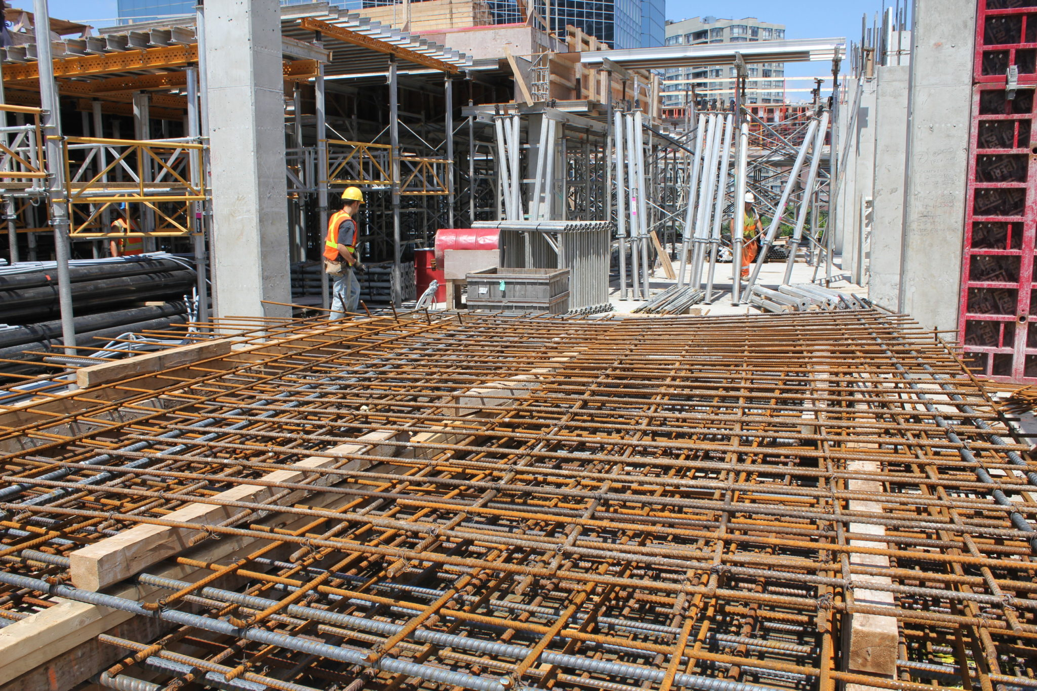 construction of new commercial real estate in toronto